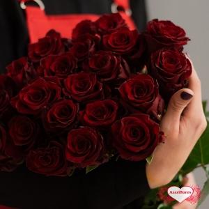 Бордовые розы с доставкой в Хабаровске
