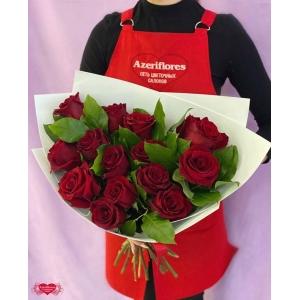 Купить букет из 15 бордовых роз с доставкой в Хабаровске