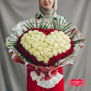Купить букет «Моя вселенная» из роз в Хабаровске
