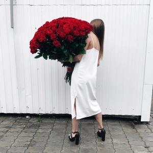 Купить букет из 101 голандской розы в Хабаровске