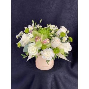 Купить коробка цветов «Лайм» с доставкой в Хабаровске