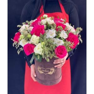 Купить коробку цветов «Мелисса» с доставкой в Хабаровске