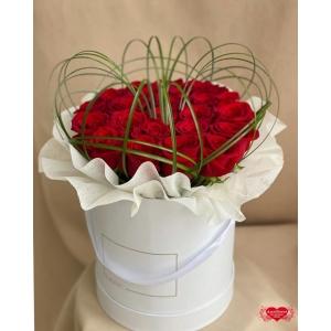 Купить коробку с 25 красными розами с доставкой в Хабаровске