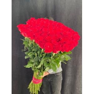 Купить охапку из 101 розы (130 см) с доставкой в Хабаровске