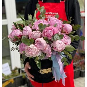Купить пионы в бархатной коробке с доставкой в Хабаровске