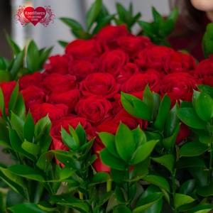 Купить квадратную коробку с цветами в Хабаровске
