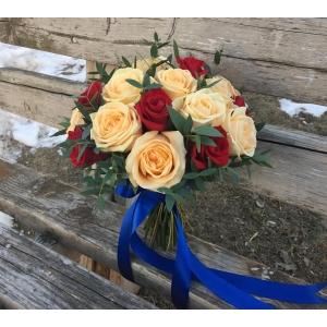 Купить свадебный букет из роз в Хабаровске