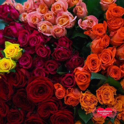 Внимание! Акция на розы, у нас свежий завоз цветов, спешите приобрести свежие розы по сниженной цене