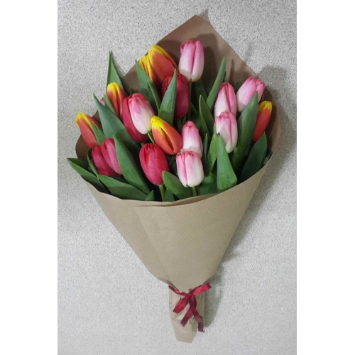 Купить букет из 19 тюльпанов в Хабаровске