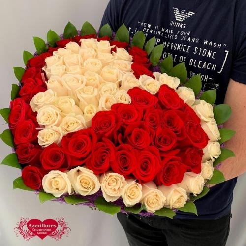 Купить букет в виде сердца из белых и красных роз в Хабаровске