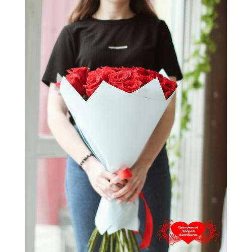 Купить букет из 25 красных роз в Хабаровске