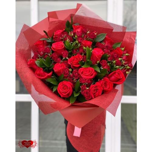 Купить букет «Алые розы» с доставкой в Хабаровске