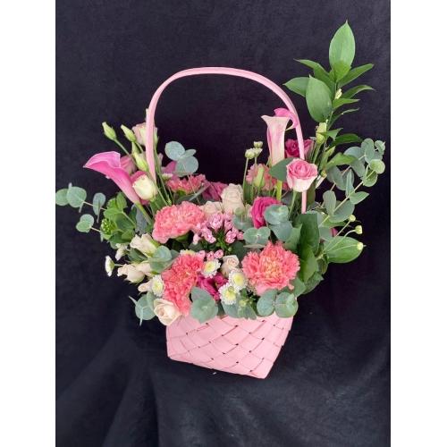 Купить корзину цветов «Флюте» с доставкой в Хабаровске