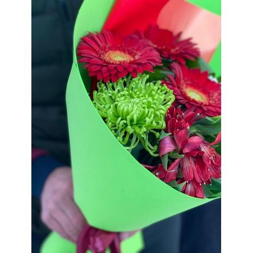 Купить букет «Гранатовый день» с доставкой в Хабаровске