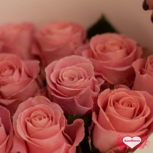 Купить букет из 11 розовых роз в Хабаровске