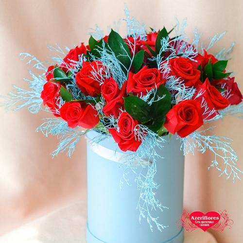 Купить коробку с 25 розами в Хабаровске