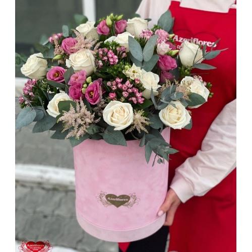 Купить коробку цветов «Бархат» с доставкой в Хабаровске