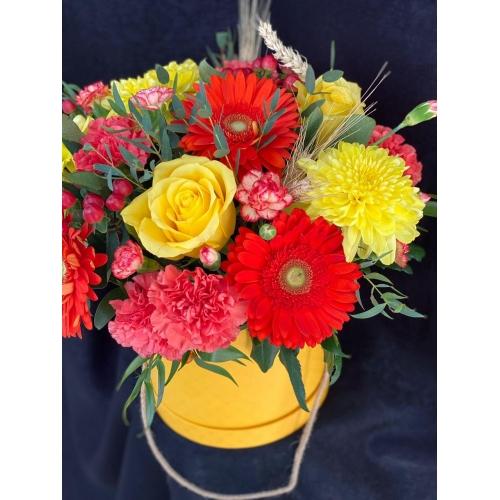 Купить коробку цветов «Букет Абхазии» с доставкой в Хабаровске