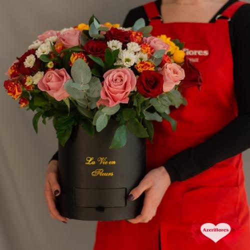 Купить коробку цветов «Эйфория чувств» в Хабаровске