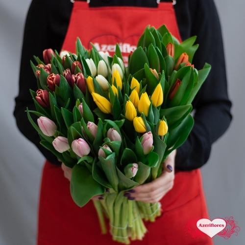 Купить охапку из 101 тюльпана по акции со скидкой и доставкой по Хабаровску